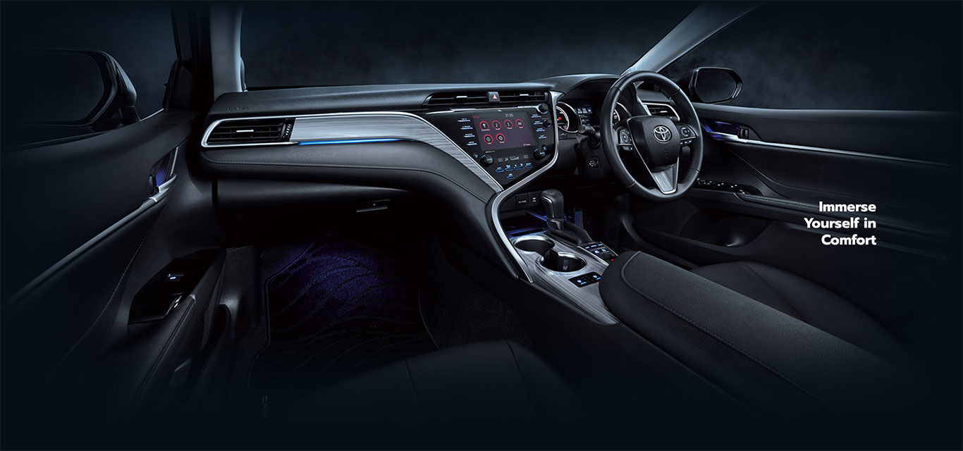 toyota-camry-hybrid-interior-features-1